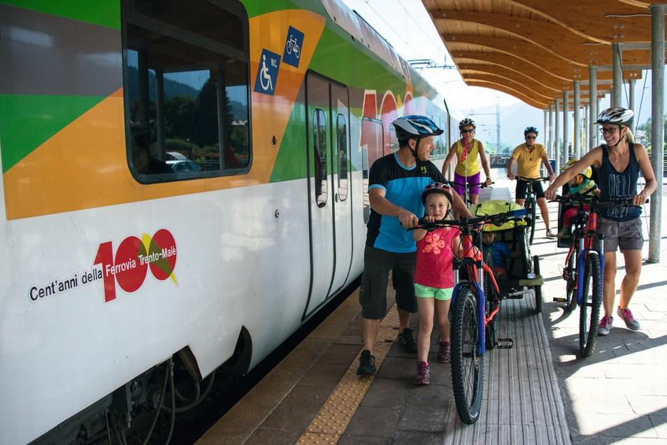 <b>Dolomiti-Express-Bici Ph-Rotwild (1)</b>