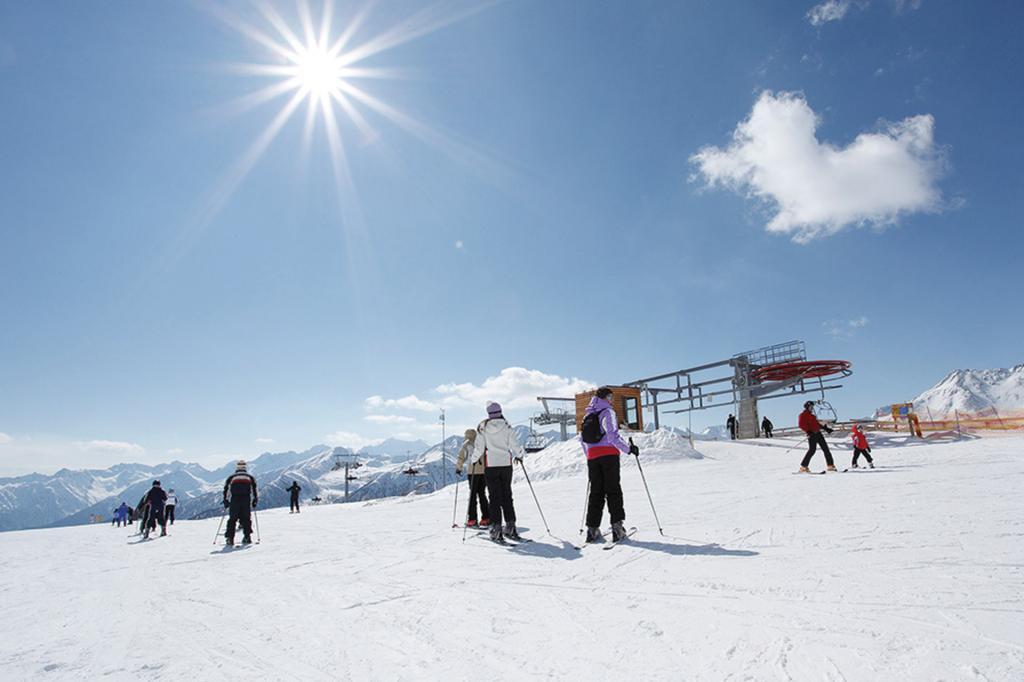 <b>Monroc Hotel_ ski area Campiglio</b>