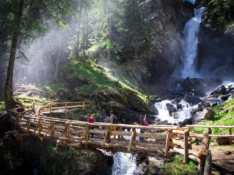 <b>Saent waterfall</b>
