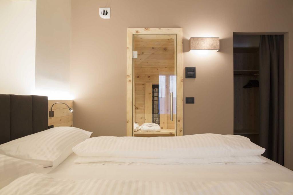 <b>SUITE MONROC HOTEL TRENTINO</b>