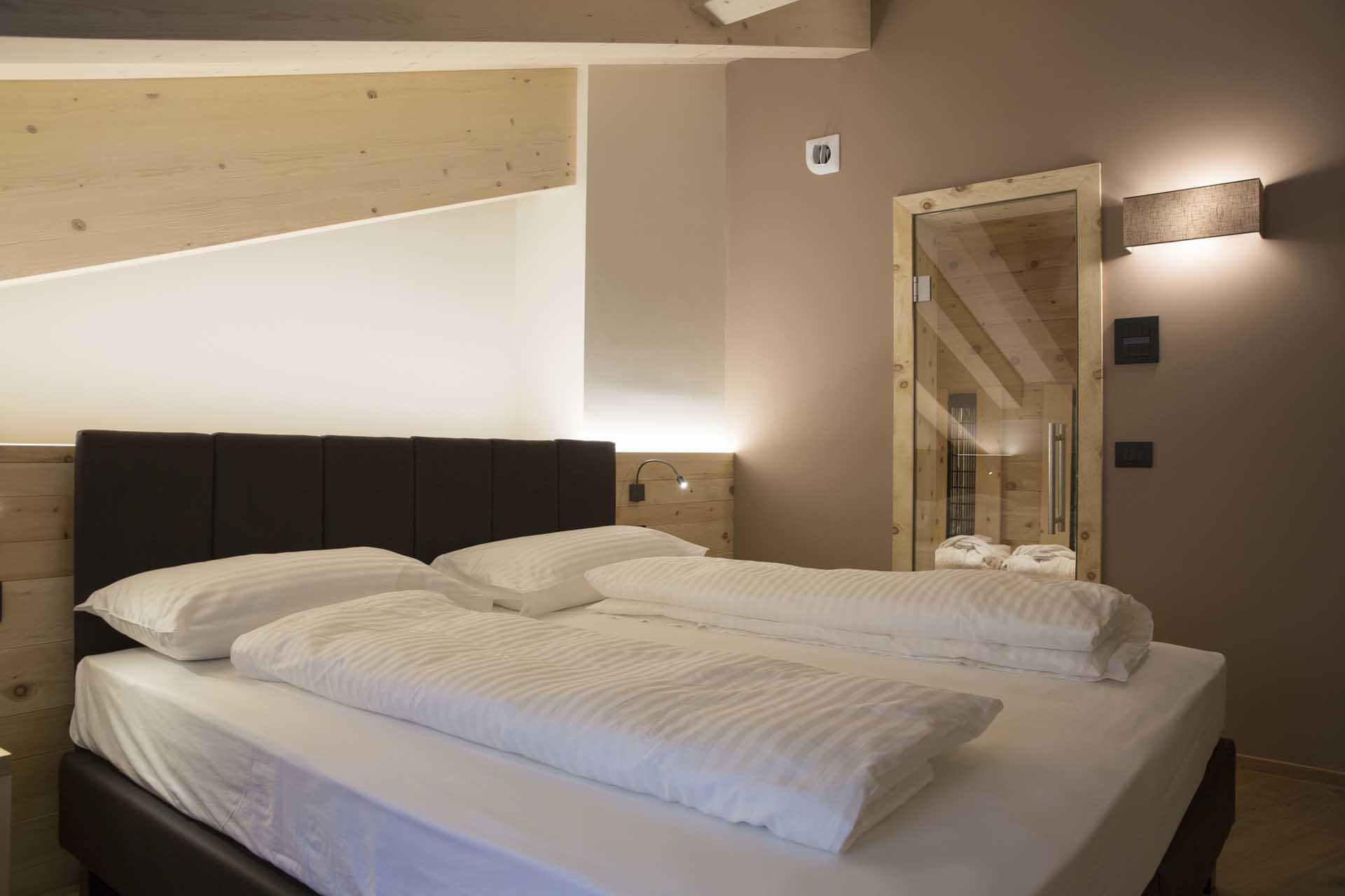 Suite zimmer monroc hotel val di sole trentino for Zimmer suite